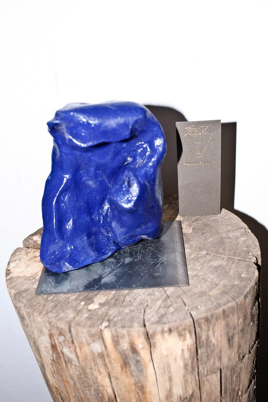 Bluvelasca - Space toys serie design Luca Bertoldi blu ceramic